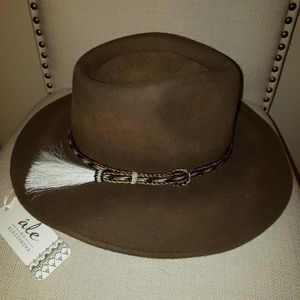 Ale by Alessandra Hat